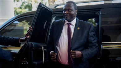 Photo of Rebel leader sworn in as first vice president in South Sudan
