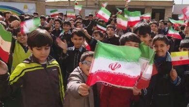 Photo of Iran educates school students on Islamic Revolution