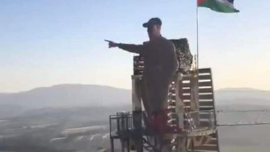 Photo of Statue of Qassem Soleimani pointing towards The Holy Quds unveiled along Lebanese-Israeli border