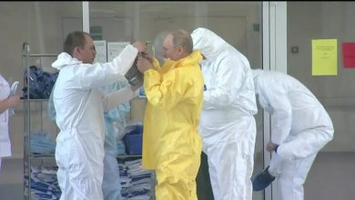 Photo of Head of Russia's Coronavirus Hospital Who Met With Putin Tests Positive for COVID-19