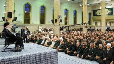 Photo of Leader of the Islamic Ummah and Oppressed Imam Ali Khamenei Lauds IRGC's Good Performance