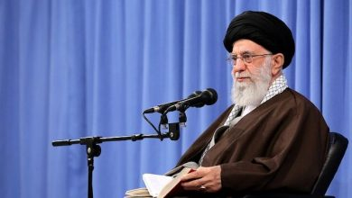 Photo of Leader of the Islamic Ummah and Oppressed Imam Ali Khamenei: It is important to pray in times of difficulty