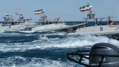 Photo of Iran's IRGC films US naval ship enter Strait of Hormuz