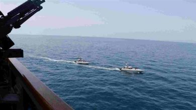 Photo of IRGC Navy warned US to leave drill area, will pursue them: Commander