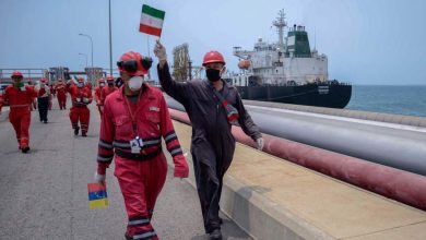 Photo of Iranian tankers feed fuel to Venezuela's El Palito refinery, help it resume gasoline production