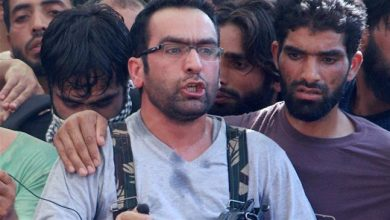 Photo of Indian forces kill top pro-independence commander in Kashmir