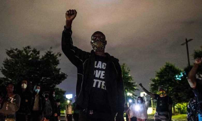Photo of Atlanta protesters call for justice as mayor orders police reforms