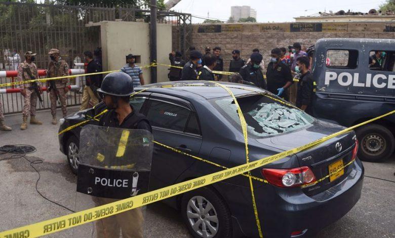 Photo of Gunmen stage deadly attack on Pakistan stock exchange