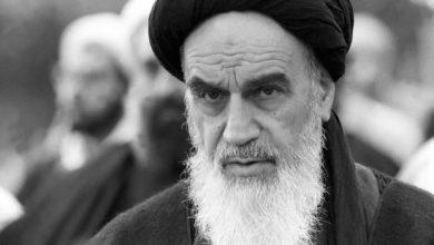 Photo of Imam Khomeini shattered superpowers' aura of invincibility: Imam Sayyed Ali Khamenei