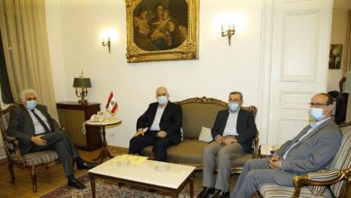 Photo of Lebanese lawmakers call on FM to take action against US envoy's anti-Hezbollah comments