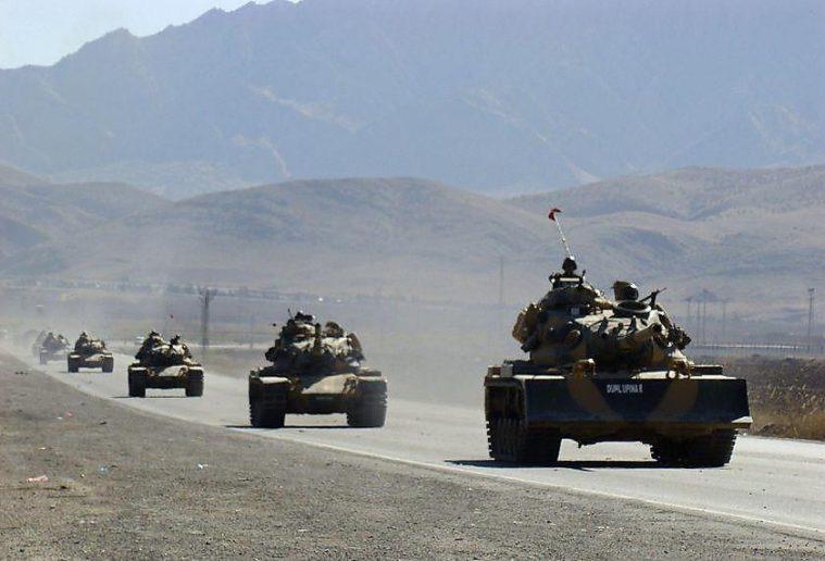 Photo of Large Turkish military convoy enters Idleb amid Syrian Army buildup