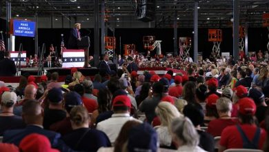 Photo of Trump holds entirely indoor rally, drawing rebuke for ignoring virus risks