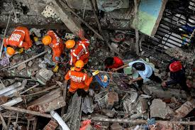 Photo of 10 dead, dozens feared trapped in building collapse in India