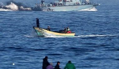 Photo of Palestinians hold funeral for Gaza fishermen killed by Egyptian fire