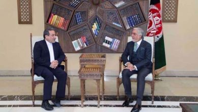 Photo of Senior Iranian diplomat meets with Afghanistan's top peace negotiator