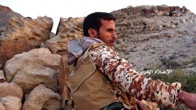 Photo of VIDEO: Breathtaking footage of Brave Houthi fighter firing RPG at up close target