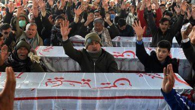 Photo of Pakistan's Hazara Muslims continue protest, refuse to bury dead