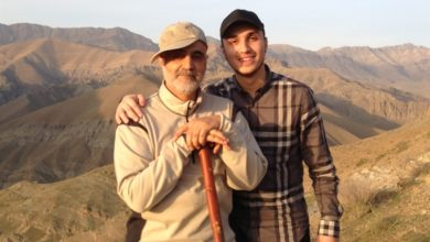 Photo of Gen. Suleimani Had Special Relation with Imad Mughniyeh's Family: Untold Stories